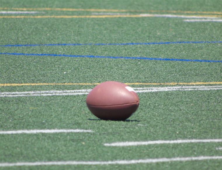 football sur terrain synthétique