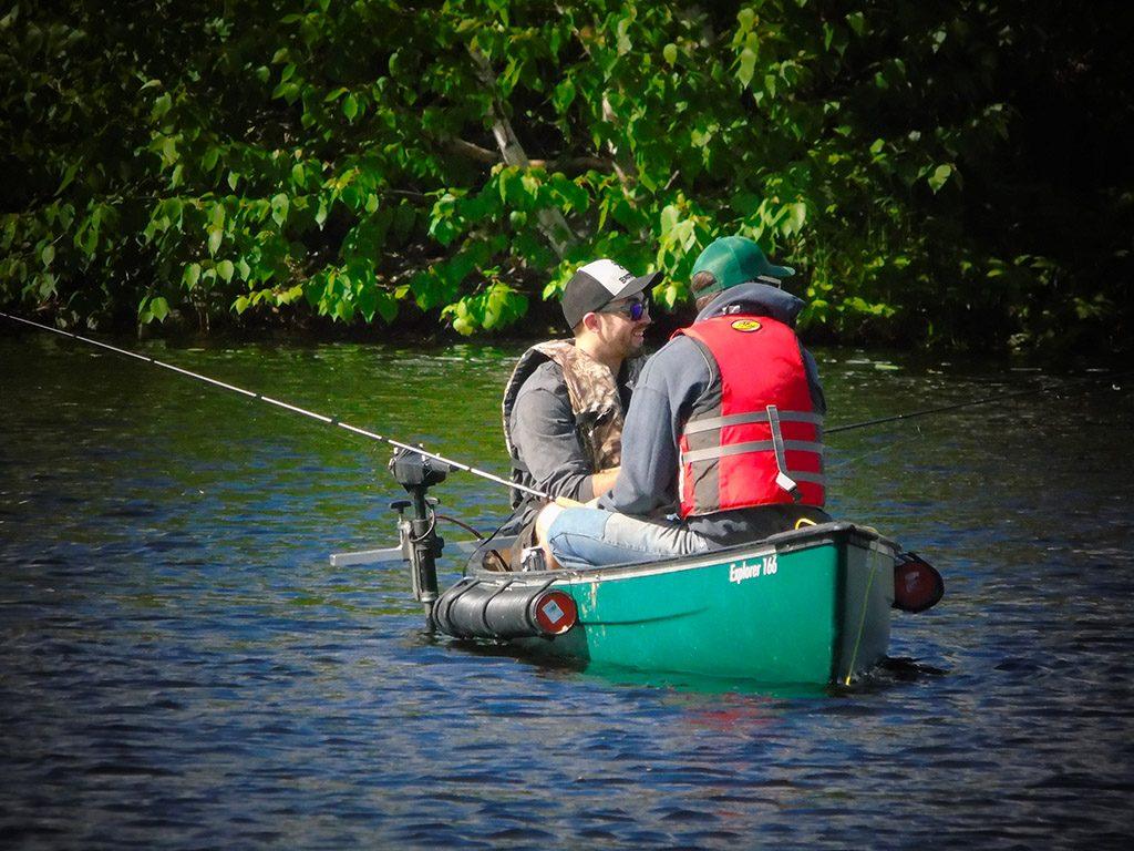 pêche en canot